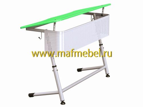 premera-2r-perfo-zelyonaya-dvuhmestnaya-parta-s-perforirovannym-ekranom-i-uglom-naklona-stoleshnitsy